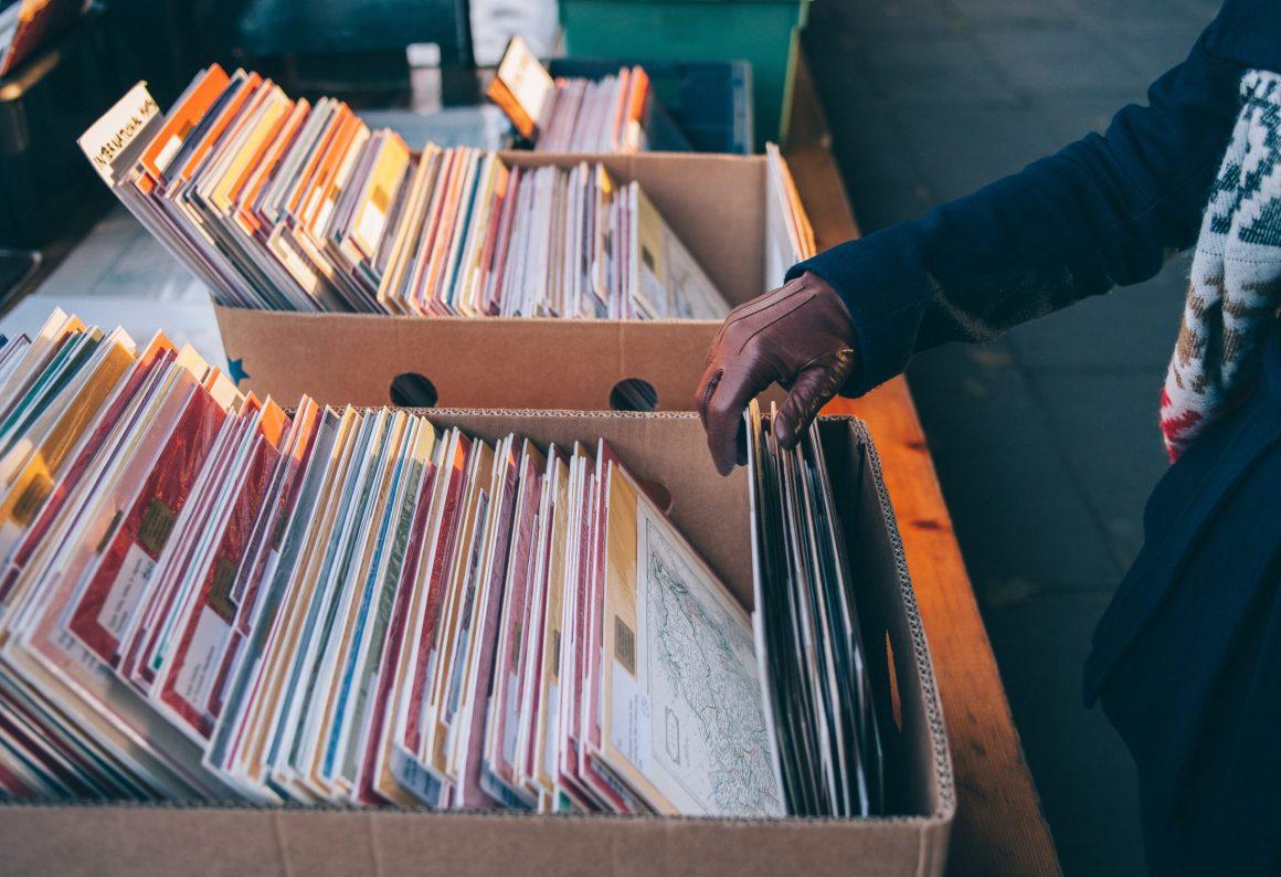 Why are vinyl sales increasing?