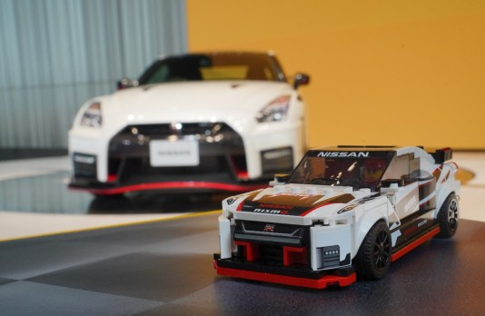 lego - lego nissan gtr nismo 01 - Nismo by the numbers with Lego