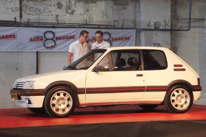 Peugeot_205_GTI-white