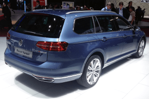 Volkswagen-Passat-Variant-Paris-Auto_Show-2014