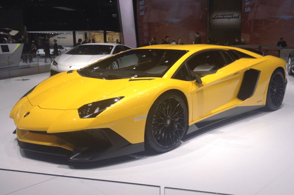 Lamborghini_Aventador_SV-Geneva_Auto_Show-2015