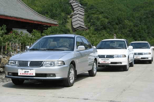 Auto-sales-statistics-China-Soueast_Lioncel-sedan