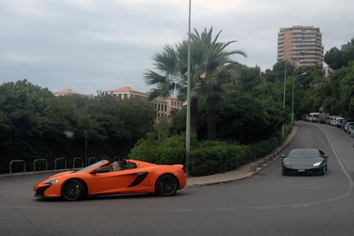 McLaren_650S-Spider-Lamborghini_Huracan-Monaco-street_scene-2015