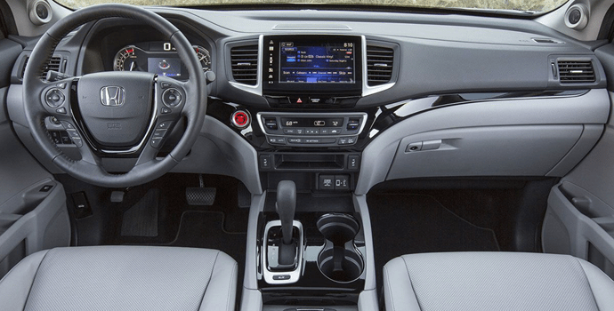 2017-Honda_Ridgeline-dashboard
