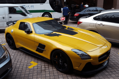 Mercedes Benz SLS AMG Black Series. Singapore street scene