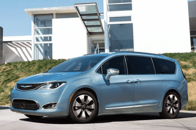 Chrysler_Pacifica-2016