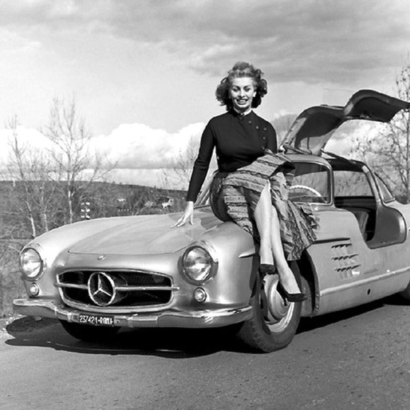 Sophia Loren Mercedes 300 SL Gullwing 06