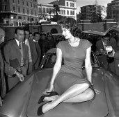 Sophia Loren Mercedes 300 SL Gullwing 11
