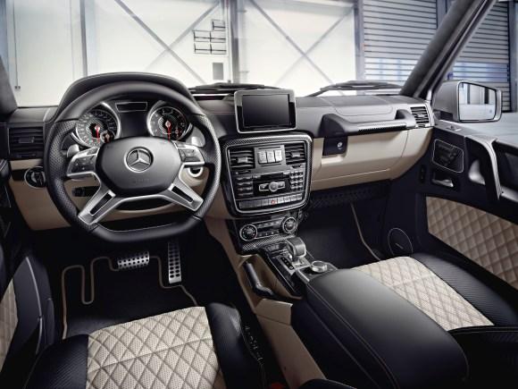 "Mercedes-Benz G-Class (BR 463) 2015; AMG G 63 ""Edition 463"" Interieur: designo Nappaleder schwarz/porzellan, Zierteile AMG Carbon interior: designo nappa leather black/porcelain, AMG carbon trim parts"