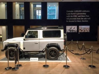 Land Rover Defender 2000000 15