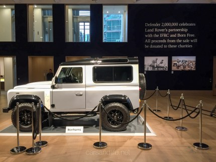 Land Rover Defender 2000000 15