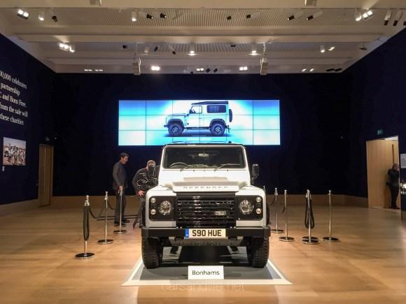 Land Rover Defender 2000000 24