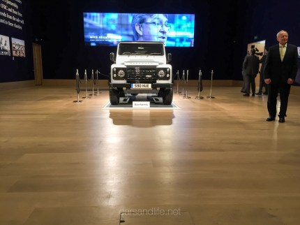 Land Rover Defender 2000000 41
