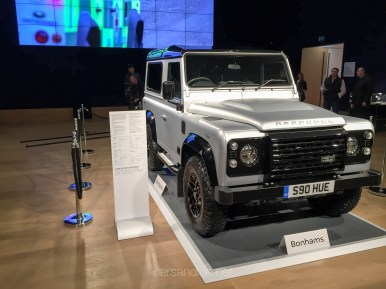 Land Rover Defender 2000000 5