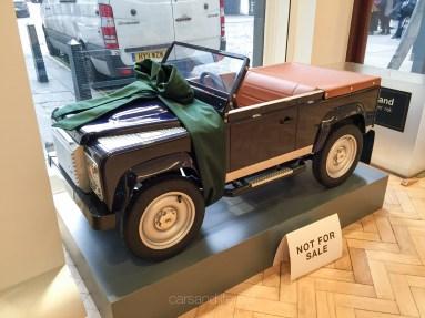Land Rover Defender 2000000 57