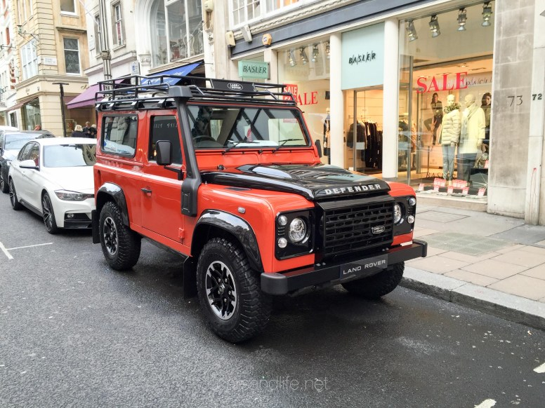 Land Rover Defender 2000000 64