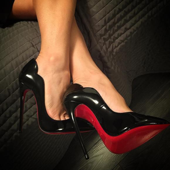 Christian Louboutin Hot Chick shoe_junky_xo