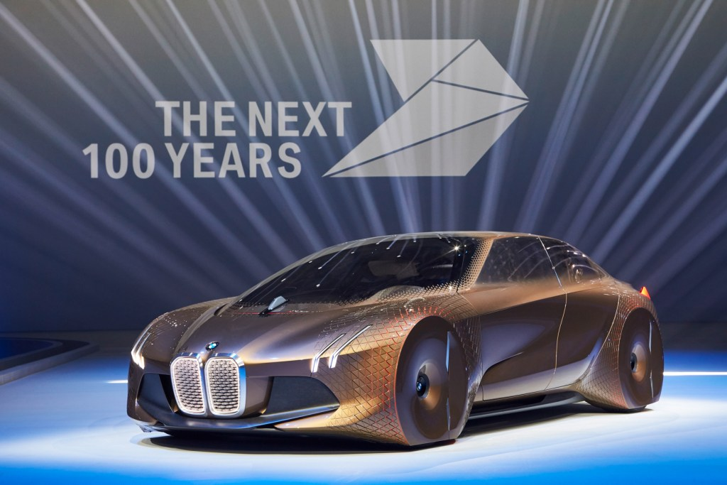 BMW Vison Next 100 2