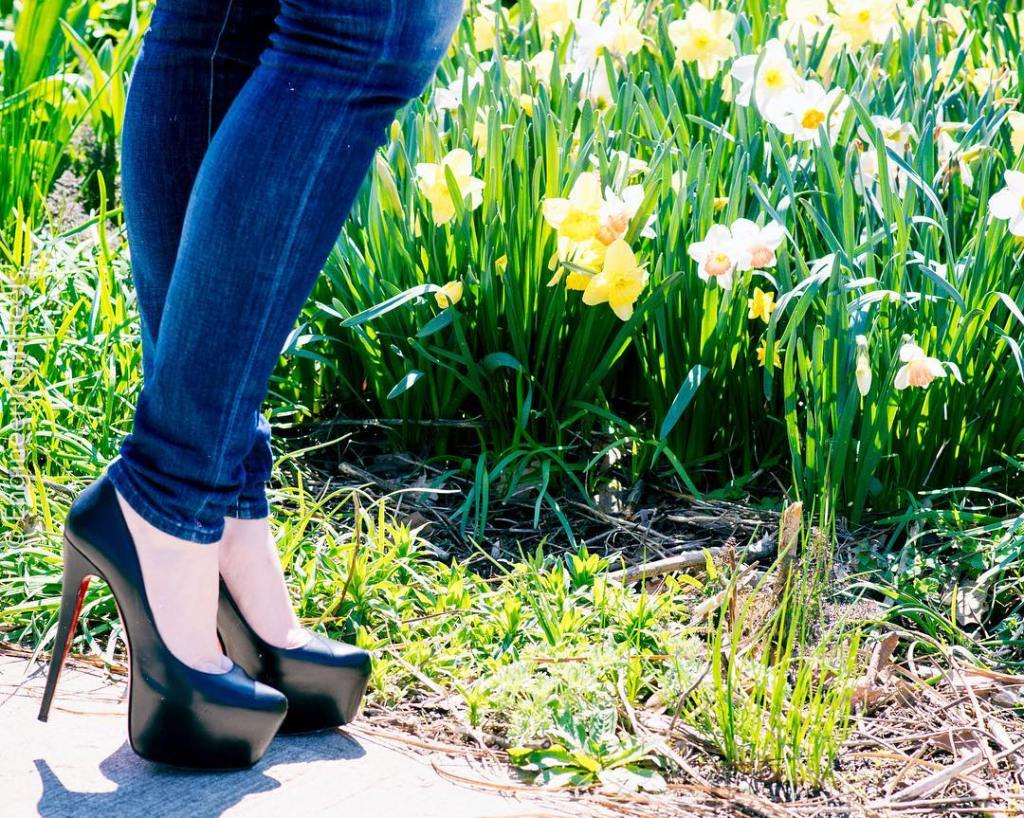 EngineeringInHeels Christian Louboutin Daffodile Heels