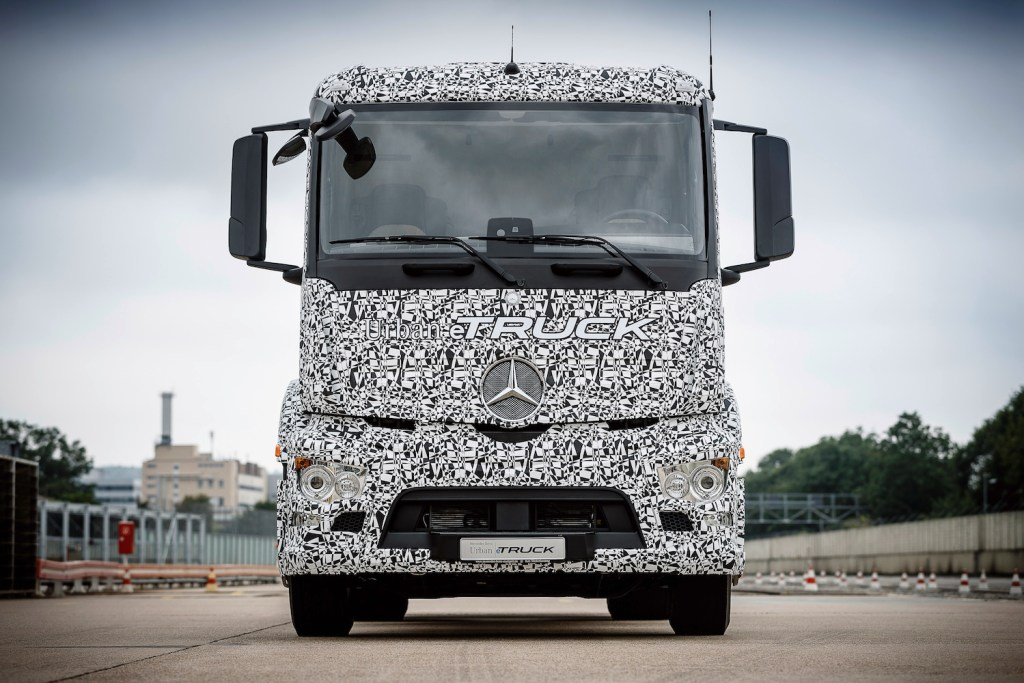 Mercedes-Benz Trucks; Urban eTruck; Elektro-Lkw; Weltpremiere; Elektromobilität; modulares Batteriekonzept; Verteilerverkehr ; Mercedes-Benz Trucks; Urban eTruck; Electro-Lkw; world premiere; electric mobility; modular battery concept; distribution;