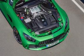 AMG GT R; 2016; Detail; 4,0-Liter-V8-Biturobomotor; 430 kW, 700 Nm ;Kraftstoffverbrauch kombiniert: 11,4 l/100 km, CO2-Emissionen kombiniert: 259 g/km AMG GT R; 2016; detail;4.0 liter V8 biturbo engine; 430 kW, 700 Nm; Fuel consumption, combined: 11.4 l/100 km, CO2 emissions, combined: 259 g/km