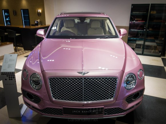 Bentley Bentayga Pink