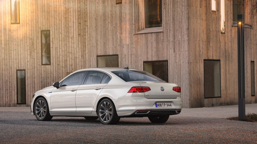 The new Volkswagen Passat GTE