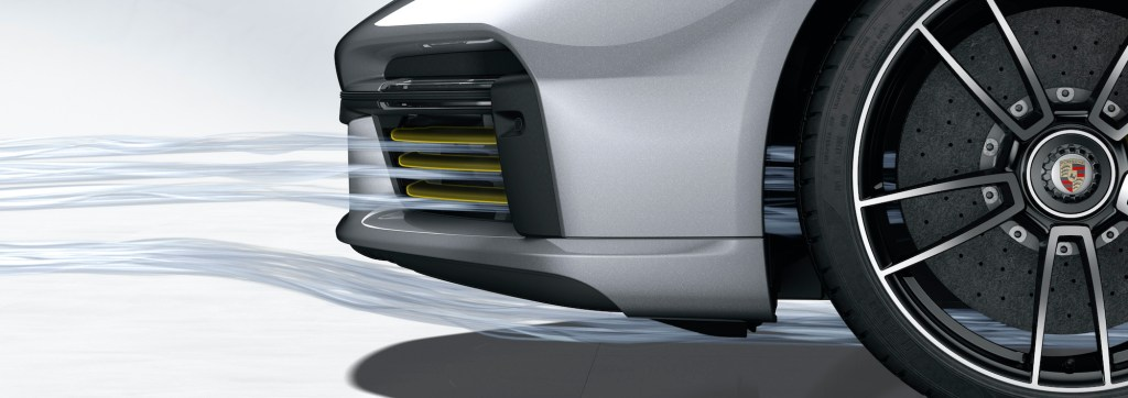Porsche 911 Turbo S: Porsche Active Aerodynamics (PAA): cooling air flaps open