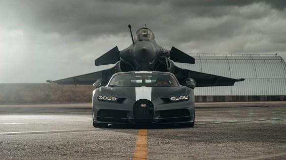 Bugatti Chiron Sport races and Dassault Rafale Marine Jet