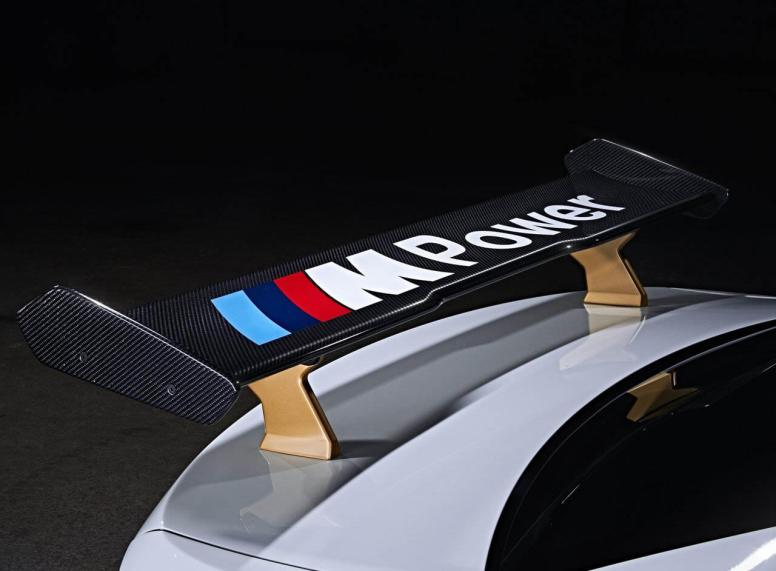 BMW_M2_Safety_Car_MotoGP_2016_Aileron