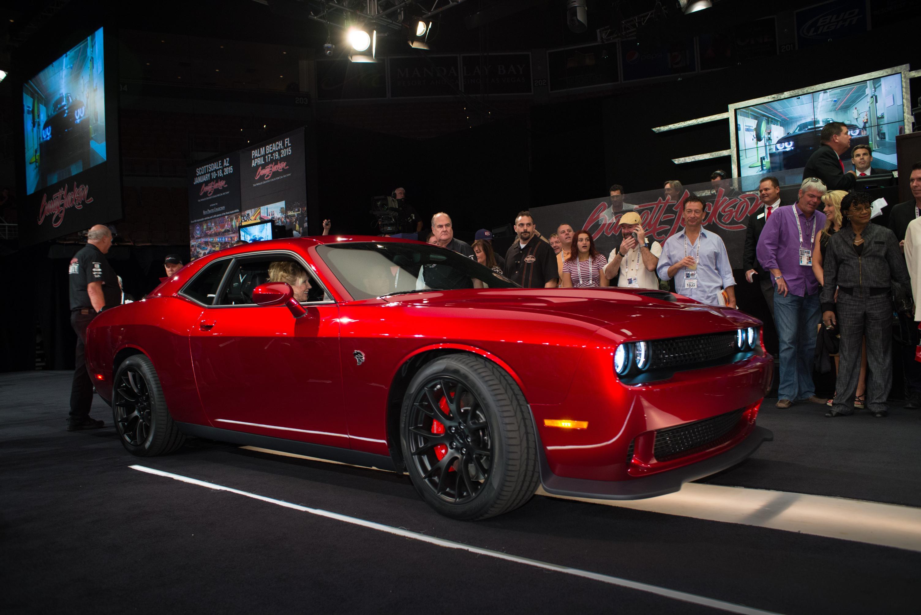 Challenger SRT Hellcat VIN0001 Raises $1 65 Million for Charity