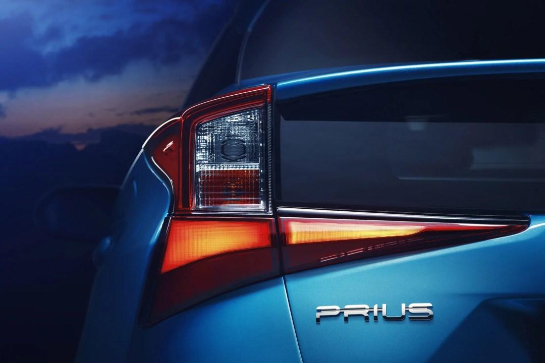 2019 Toyota Prius AWD-i rear lights