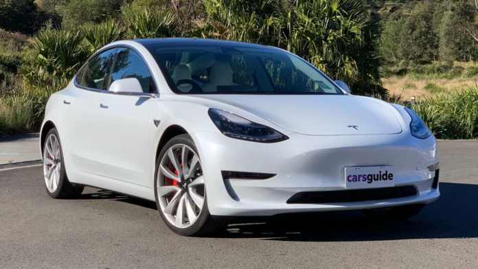 New Tesla Model 3 2020 Pricing And Specs Detailed Entry Level Electric Car Now Dearer Car News Carsguide