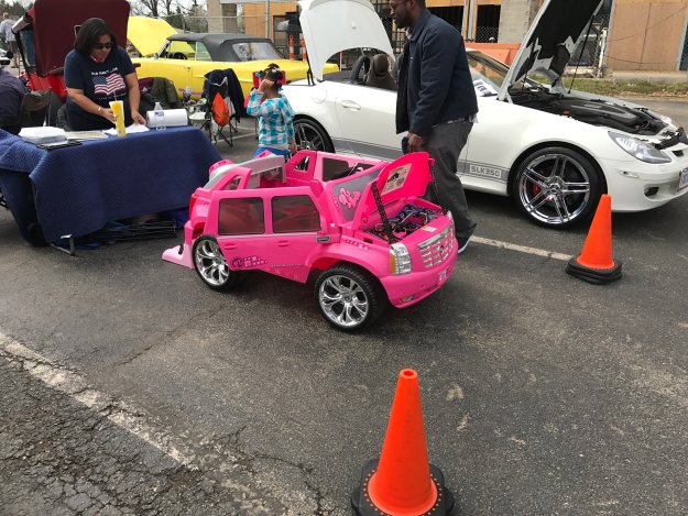 Sunday Cruisin' Buffalo Wings & Rings toy car