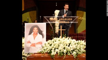 160111193108-03-natalie-cole-funeral-exlarge-169