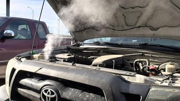 ini-bahayanya-jika-sering-telat-ganti-oli-mobil-secara-berkala