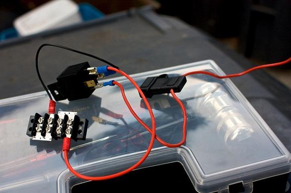 mengenal-fungsi-relay-dan-manfaatnya-bagi-kelistrikan-mobil