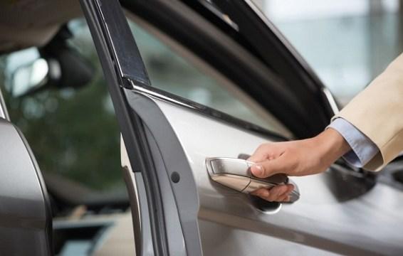 Karet Pintu Mobil Tak Berfungsi Baik, Ini Tandanya