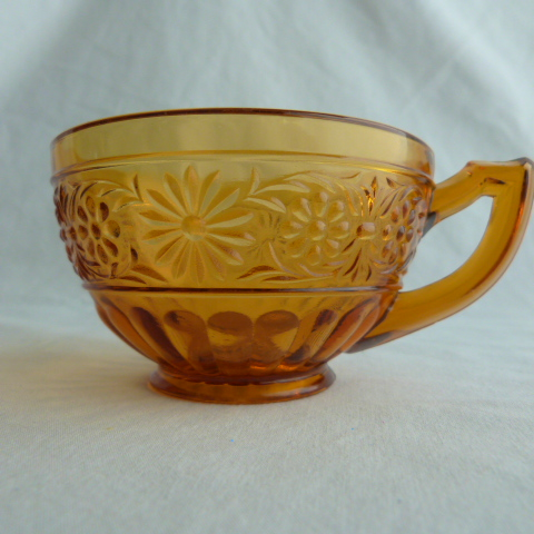 Daisy Pattern Amber Coffee Cup