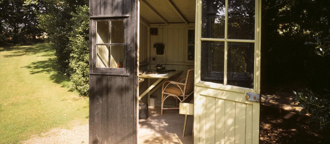 The writing shed turned so that Shaw could follow the sun while writing his plays / National Trust Images / Matthew Antrobus