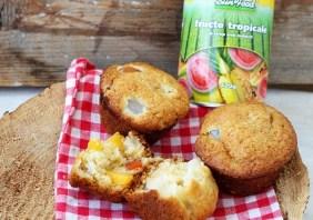 Muffins cu fructe tropicale