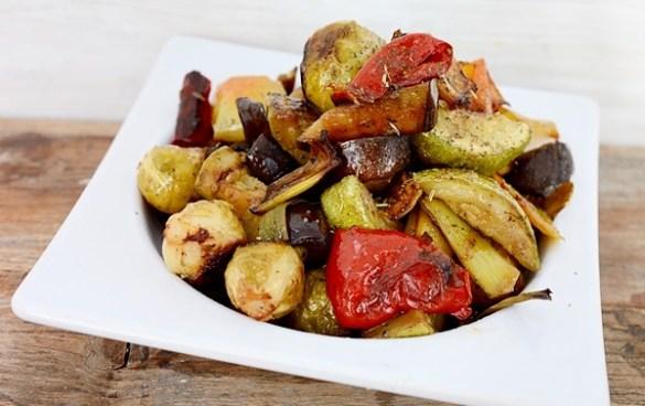 legume la cuptor cu verdeturi de Provence
