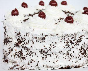Tort Padurea Neagra cu Green Sugar