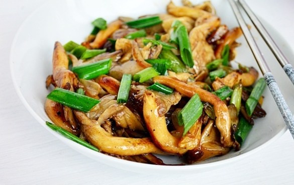ciuperci pleurotus in stil asiatic