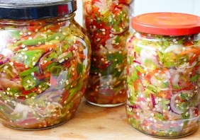 Salata de ardei iuti cu ceapa fara conservant