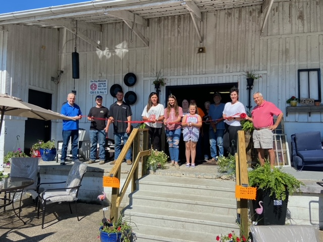 Ribbon-cutting ceremony for One Stop Wholesale