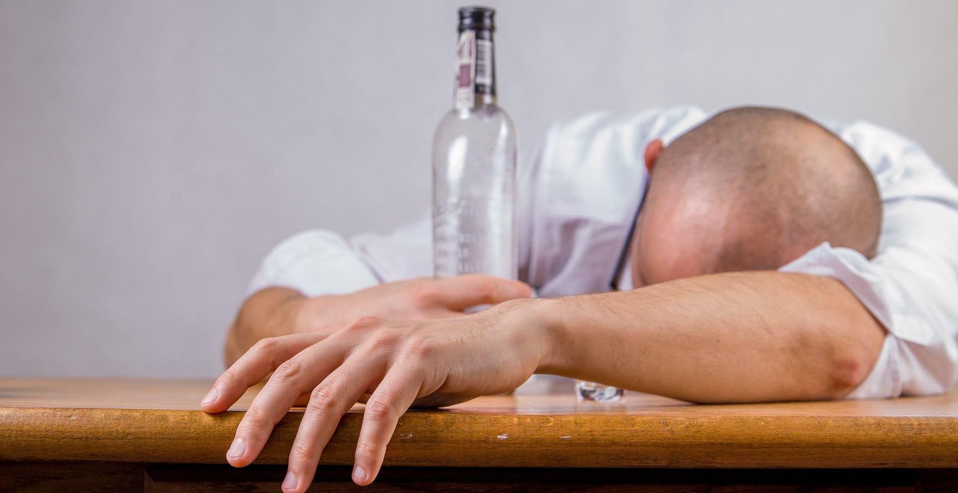 alcohol-hangover-crop