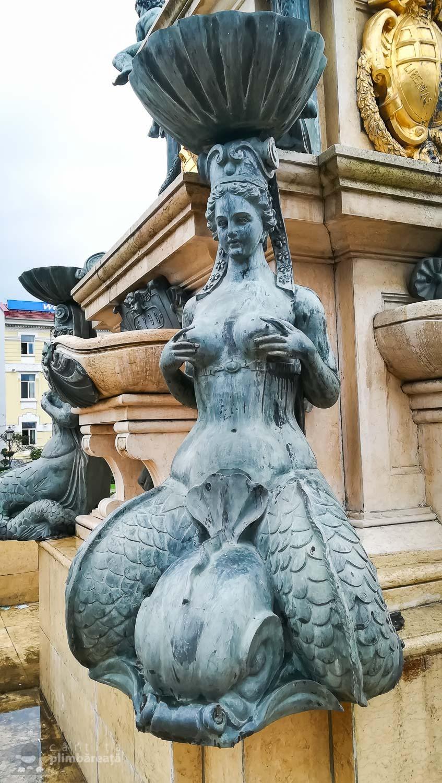 O sirenaaaa :) - Fantana lui Neptun