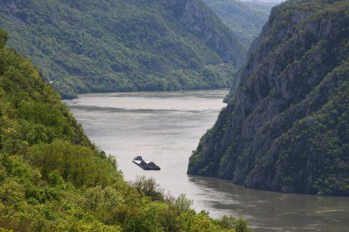 Cazanele Mari vazute din Ciucarul Mic - Clisura Dunarii