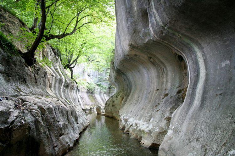Muntii Sureanu - Cheile Banitei - judetul Hunedoara